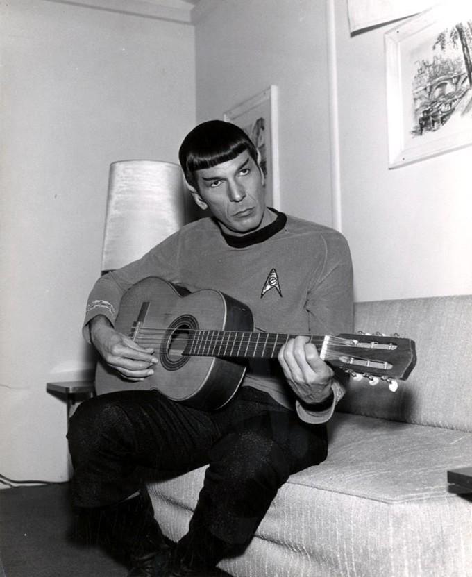 btsstartrek_spockguitar_large